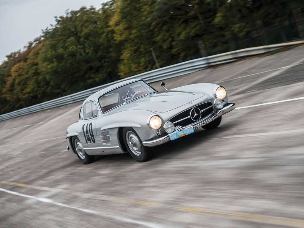 For sale the mercedes benz 300 sl gullwing race car of for Mercedes benz sl coupe for sale